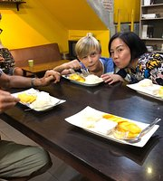 Mae Sai Thong Mango Sticky Rice