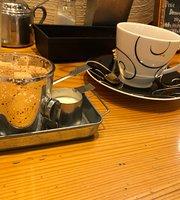 Cafe Mon
