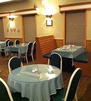 Skookum Inn Restaurant