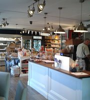 Hughenden Village Store and Coffee Shop