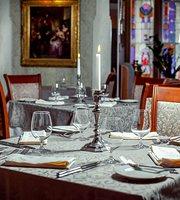 1913 Restaurant