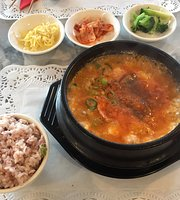 Han River Korean Restaurant