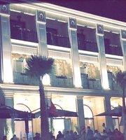 Cafe Victor Hugo