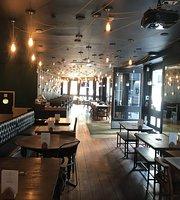 City Bar & Kitchen