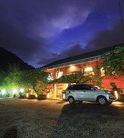 Kampung Batu Restaurant