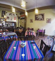 "Taste Of India Cusco ""Cafe Carvalho"""