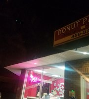 M & E's Donut Palace & Kitchen