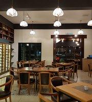 Mondrian Restaurant Cafe