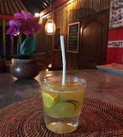 Wayan D'warung Food and Drink