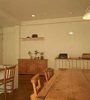 Pelican+Cafe