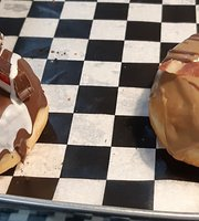 Munchin Donuts