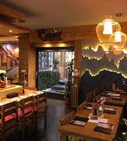 Bo Dai Ko Running Sushi Restaurant