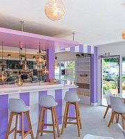 FOSTOK Gourmet Corner