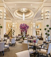 ‪The Lobby at the Peninsula Hotel‬
