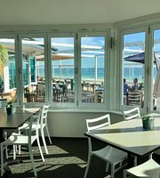 Backbeach Café & Restaurant
