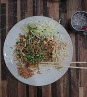 Eat Pad Thai