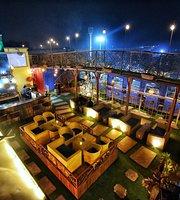 Bartoss Bar & Lounge