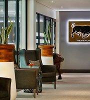 De Bull Restaurant & Bar
