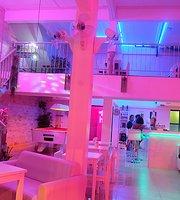 2Sweet Bar & Hostel