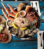 La Petite Poissonnerie Seafood & Champagne Bar