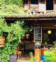 Corvus Corax Cafe