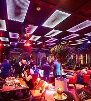 CNTR Restaurant & Entertainment