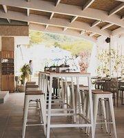 Lazure Beach Bar