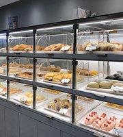 Bake Island Bakery & Cafe