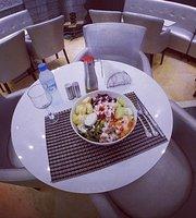 Est Ouest Café & Restaurant