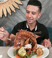 Maxie's Restaurant & Lounge