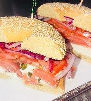 Rocki's Eatery & Cafe