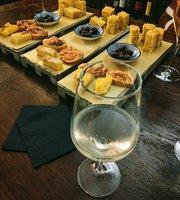 Amelie Vinoteque et Taverne