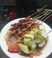 Sate Ayam H. Ishak Pasar Lama