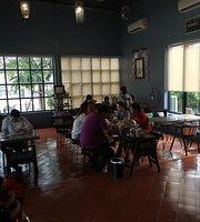 Cafe Khiri