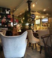 Art Lovers Cafe