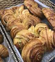 9 Grains Bakery & Cafe