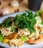 Baithong Thai & Seafood Restaurant