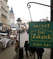 Zakatek Cafe & Wine
