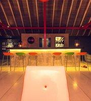 Retro Pub, By Pledge3