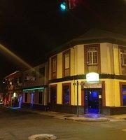 Amistad Sport Bar & Grill