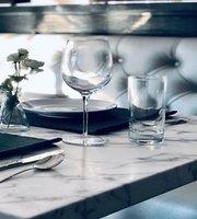 La Belle Vie Kitchen
