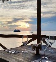 Hemingway Lounge Rest. & Bar