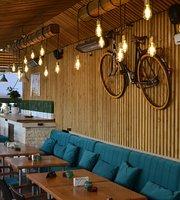 Tatu Bar & Grill