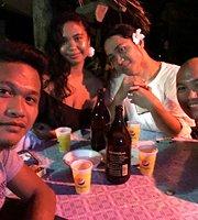 Sunny Side Bed & Beach Bar