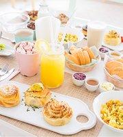 Rolls Brunch & Cafe