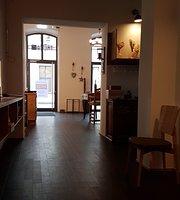 Restaurant/Bar TREZA
