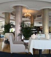 Rotunda Revolving Restaurant