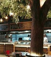 Zona 6 Food Hall