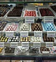 Chedda Dry Fruits & Snacks