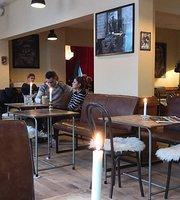 Cafe Forsinket